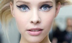 The perfect New Year's Eve makeup inspiration–glitter eyes