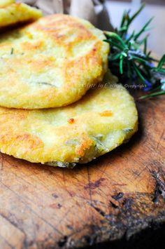 Pane fritto con patate e rosmarino antipasto sfizioso vickyart arte in cucina