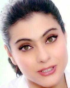 Indian Actress Images, Indian Actresses, Beautiful Bollywood Actress, Beautiful Indian Actress, Kajol Image, My Wife Photos, Flower Girl Photos, Bike Sketch, Glam Photoshoot