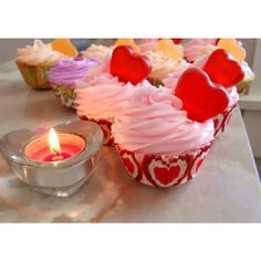 Cashmere and Pearls Fizzing Bath Cupcake Valentine's Day Spa Bath Bath... (€5,00) ❤ liked on Polyvore featuring beauty products, bath & body products, body cleansers, bath & beauty, bath bombs, grey and soaps