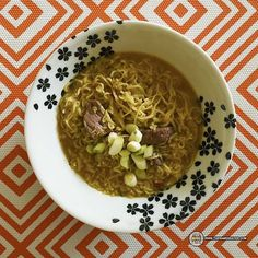 This one was sent to me by Chef Ron from Mama Pat's Foods – hey thanks! This is from Ghana in Africa! Nice to be able to try varieties from Africa; I've had so few! Let's give this beef one a try. Lele Instant Noodles Beef – Ghana Here's the back of the package (click …