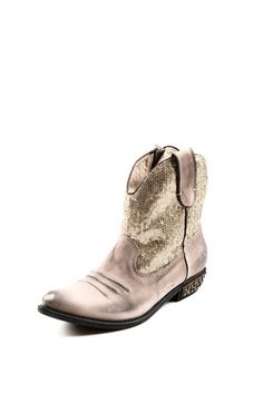 Gold Sequin Cowboy Boot~with jeans or the right little short dress. good
