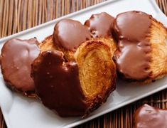 Cómo hacer palmeras de chocolate con Thermomix Chocolate Thermomix, Canapes, Muffin, Breakfast, Desserts, Recipes, Chocolate Blanco, Pastries, Fondant