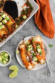 Spinach Enchiladas with Lentils and Homemade Enchilada Sauce… Vegetarian Recipes Dinner, Dinner Recipes For Kids, Mexican Food Recipes, Vegan Recipes, Mexican Desserts, Lentil Recipes, Homemade Enchilada Sauce, Homemade Enchiladas, Vegan Enchiladas