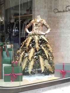 """Idée originale : Comment faire son """"Arbre de Noël"""" avec son buste de couture…"""