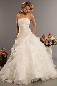 Classic Style Vestidos De Noiva A Line Robe De Mariage Strapless Applique Bridal Gown Wedding Dress 2016 Chapel Train YN0120