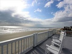 Private & Oceanfront with Rooftop Sundeck! Wi-Fi Included!