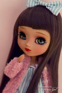 Um dia ainda terei uma boneca assim! ◕◡◕ One day I will still have a doll like that! ◕◡◕