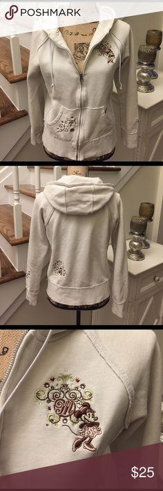 🌺🦋 WALT DISNEY 🦋🌺 Gorgeous Minnie Mouse Hoodie 🌺🦋 WALT DISNEY 🦋🌺 Gorgeous Minnie Mouse Hoodie Winter white awesome color!  Detail is amazing...super cute and cozy. Preloved in good condition Walt Disney World Tops Sweatshirts & Hoodies