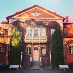 Katinen Manor, Hämeenlinna, Finland Finland, Mansions, House Styles, Mansion Houses, Manor Houses, Villas, Fancy Houses, Mansion, Villa