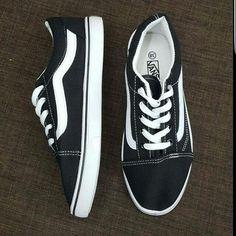 022e2f8e6159 Vans Old Skool Black And White