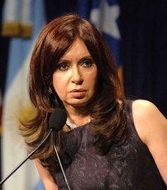 Argentina: pesos carta straccia, caccia disperata ai dollari