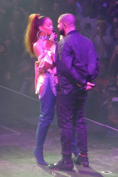 Rihanna Twerked So Hard On Drake They Forgot They Were On Stage [PHOTOS]