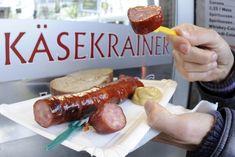 """Käsekrainer, Österreichs beliebteste Grillwürstel, haben bei einer Überprüfung in Sachen Zutaten, Geschmack und Keime fast durchwegs mit guten Noten abgeschnitten. Lediglich ein Produkt im Supermarkt bekam von den Testern des Vereins für Konsumenteninformation (VKI) und AMA-Marketing ein """"Nicht zufriedenstellend"""" ausgestellt."""