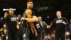 Braquage à la grecque de Giannis Antetokounmpo à New York ! -  Après avoir fait vivre un sale quart d'heure à Russell Westbrook, Giannis Antetokounmpo se paye une autre star de la ligue avec Carmelo Anthony et ses Knicks. Le Grec (27… Lire la suite»  http://www.basketusa.com/wp-content/uploads/2017/01/giannis-knicks-570x325.jpg - Par http://www.78682homes.com/braquage-a-la-grecque-de-giannis-antetokounmpo-a-new-york homms2013 sur 78682