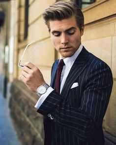 reinventing effortless style is part of Suit fashion - The UK's leading men's subscription box service Become a modern gentlemen with our smart and affordable plans you can pause or cancel anytime you want Sharp Dressed Man, Well Dressed Men, Suit Fashion, Mens Fashion, Style Fashion, Fashion Styles, Fashion Clothes, Herren Outfit, Men Street