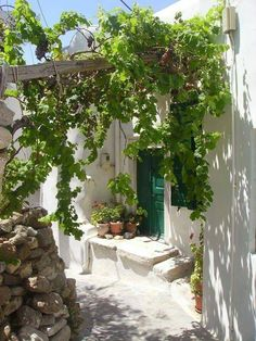 Old, but gold – raviraghav - Garten Dekoration Boho Glam Home, Spanish Revival, Outdoor Spaces, Outdoor Living, Beautiful Homes, Beautiful Places, Jolie Photo, Mediterranean Style, Watercolor Landscape