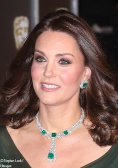 WhatKateWore.com (@WhatKateWore) on Twitter: BAFTAs 2018, February 18, 2018-Duchess of Cambridge wore her diamond and emerald earring and necklace set