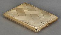 A CONTINENTAL 14K GOLD CIGARETTE CASE Maker unidentified, circa 1900 Marks: (marks undeciphered) 4-1/8 inch