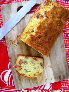 Avec sa belle croûte dorée et sa texture moelleuse, le cake estun allier pour l'apéritif, mais pas que ! il peut aussi vous sauver bien des repas!
