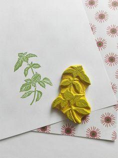 Sellos de goma de albahaca de MaleCodziennosci en Etsy https://www.etsy.com/es/listing/512714116/sellos-de-goma-de-albahaca