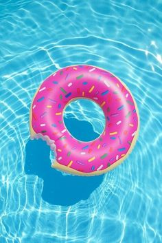 iPhone and Android Wallpapers: Donut Pool Float Wallpaper for iPhone and Android - Wallpaper Wallpapers Android, Cute Wallpapers, Cool Pool Floats, Wallpaper Fofos, Summer Pool, Wallpaper Iphone Cute, Animal Wallpaper, Colorful Wallpaper, Cute Backgrounds Iphone