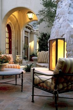 Lovely outdoor living area | David Michael Miller Ass