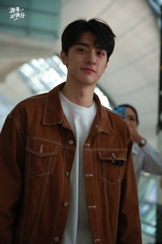 Boy Paradise, Song Wei Long, 21 Years Old, Boy Photos, Asian Boys, Handsome Boys, China, Actors & Actresses, Drama
