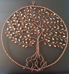 Arbre de vie couleur cuivrée 28cm Wire Crafts, Metal Crafts, Diy Arts And Crafts, Crafts To Do, Diy Dream Catcher Tutorial, Dream Catcher Craft, Diy Cadeau, Nail Polish Crafts, Wire Tree Sculpture