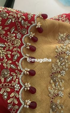 Latest Embroidery Designs, Kurti Embroidery Design, Hand Work Embroidery, Couture Embroidery, Embroidery Fashion, Gold Embroidery, Saree Kuchu Designs, Best Blouse Designs, Pattu Saree Blouse Designs
