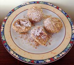 Paleo szilvás gombóc     Sokak kérésére megérkezett a tökéletes TOJÁSMENTES PALEO SZILVÁS/BARACKOS GOMBÓC recept????????✌ A tészta e szerint készült:paleo mákos nudli recept!  Hozzávalók:  200 g főtt, pépesített édesburgonya 45 g Szafi Fitt nyílgyökérliszt(nyílgyökérliszt ITT!) 55 Paleo Sweets, Paleo Food, Anti Inflammatory Recipes, French Toast, Oatmeal, Brunch, Food And Drink, Snacks, Breakfast
