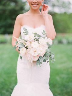 Wedding Bouquets : Picture Description The prettiest blush bouquet: Photography : Jeremy Chou Photography Read More on SMP: www.stylemepretty… - #Bouquets https://weddinglande.com/accessories/bouquets/wedding-bouquets-the-prettiest-blush-bouquet-photography-jeremy-chou-photography-read-more-on/