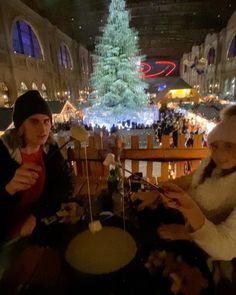 Fondue in Switzerland - Zurich Switzerland Switzerland Christmas, Instagram Christmas, Winter Scenery, Zurich, Travel With Kids, Fondue, Travel Inspiration, Travelling, Road Trip