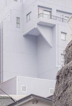Parallel World — Blue house with cantilever, Kita–Shinagawa,...
