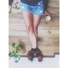 friday-afternoon-feeling-good-friday-shorts-denim-levis-flamingobg-weloveit
