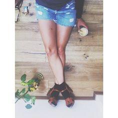 friday-afternoon-feeling-good-friday-shorts-denim-levis-flamingobg-weloveit