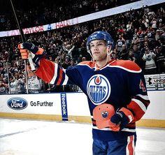 Taylor Hall, ex-Edmonton Oilers Taylor Hall, Edmonton Oilers, National Hockey League, New York Rangers, Chicago Blackhawks, Hockey Players, Ice Hockey, Nhl, Champion