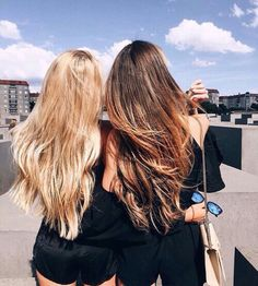 Two best friends traveling the world! Their hair is also goals. Uploaded by PastelAngel101™