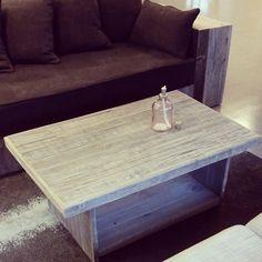 #beito #lounge er en #stayer har ikke tall på hvor mange vi har laget av disse i løpet av 8 år. Men hvert bord blir unikt, med herlige sjatteringer og gråtoner. #håndlagetavoss #barefordeg #bærekraftig #kortreist #allemål  Pris/info: www.drivved.no/webshop