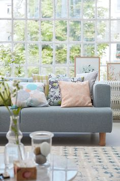 #esprit #homeliving #spring #cushions #sofa #softtones #colorful #easyliving #prints