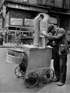 Roast Corn Man Orchard and Hester Streets New York 1938.  everyday_i_show: photos by Berenice Abbott