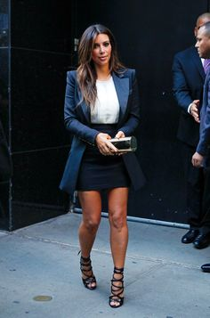 Loving Kim Kardashian's look here, the oversized blazer is perfect!