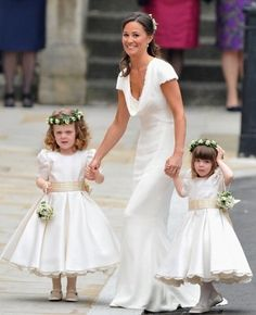 Pippa with the flower girls of the royal wedding!!