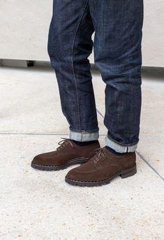 """Look homme : """"Urbain Tout-Terrain"""" pour l'automne / hiver Givenchy, Derby, Pull Torsadé, Men Dress, Dress Shoes, Loafers Men, Oxford Shoes, Menswear"""