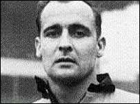 Dennis Wilshaw (Wolverhampton  Wanderers)