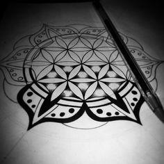 #mulpix Preparando Mandala 2°chakra + flor de la vida. Este diseño es para mí :)  #Diseño  #Design  #tatuaje   #tatoo  #mandala  #chakra  #floweroflife  #flordelavida  #blackwork