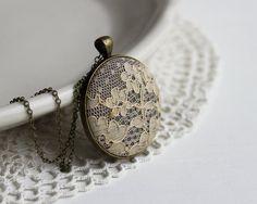 Dentelle beige collier automne mariage hiver mariage années 1930 demoiselle d'honneur gris bijoux demoiselle d'honneur Gatsby mariage dentelle bijoux accessoires mariée