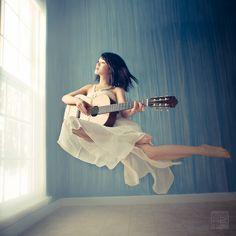 Floating melody by Dancing Tornado, via Flickr