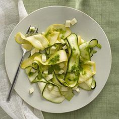 Marinated Zucchini and Yellow Squash Salad - Zucchini is one of our favorite summer vegetables. Here are 26 ways to cook it (including two zucchini bread recipes! Veggie Dishes, Vegetable Recipes, Vegetarian Recipes, Cooking Recipes, Healthy Recipes, Side Dishes, Keto Recipes, Squash Salad, Zucchini Salad