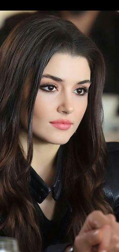 Hayat very beautiful eyes lovely picture beautiful lady. Cute Beauty, Beauty Full Girl, Beauty Women, Beautiful Girl Image, Beautiful Eyes, Gorgeous Women, Turkish Women Beautiful, Most Beautiful Faces, Beautiful Images